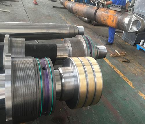 中國大唐馬頭電廠斗輪機油缸維修