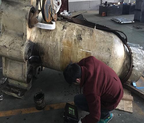 亚太科技铝材挤压机缸体修复