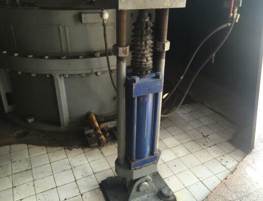 磨煤机加载液压油缸维修