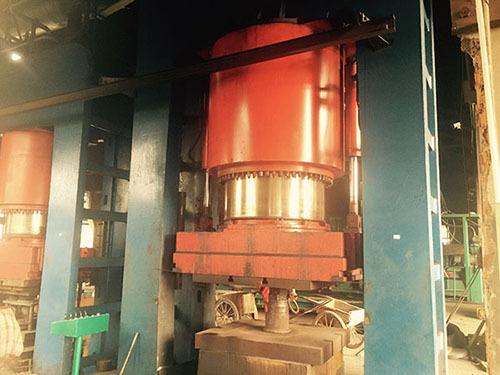 大型液压缸密封件维修处理方案