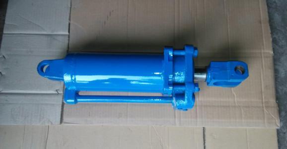 导致两个液压缸运行速度不同的原因是什么?